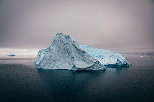 iceberg-5163649_640